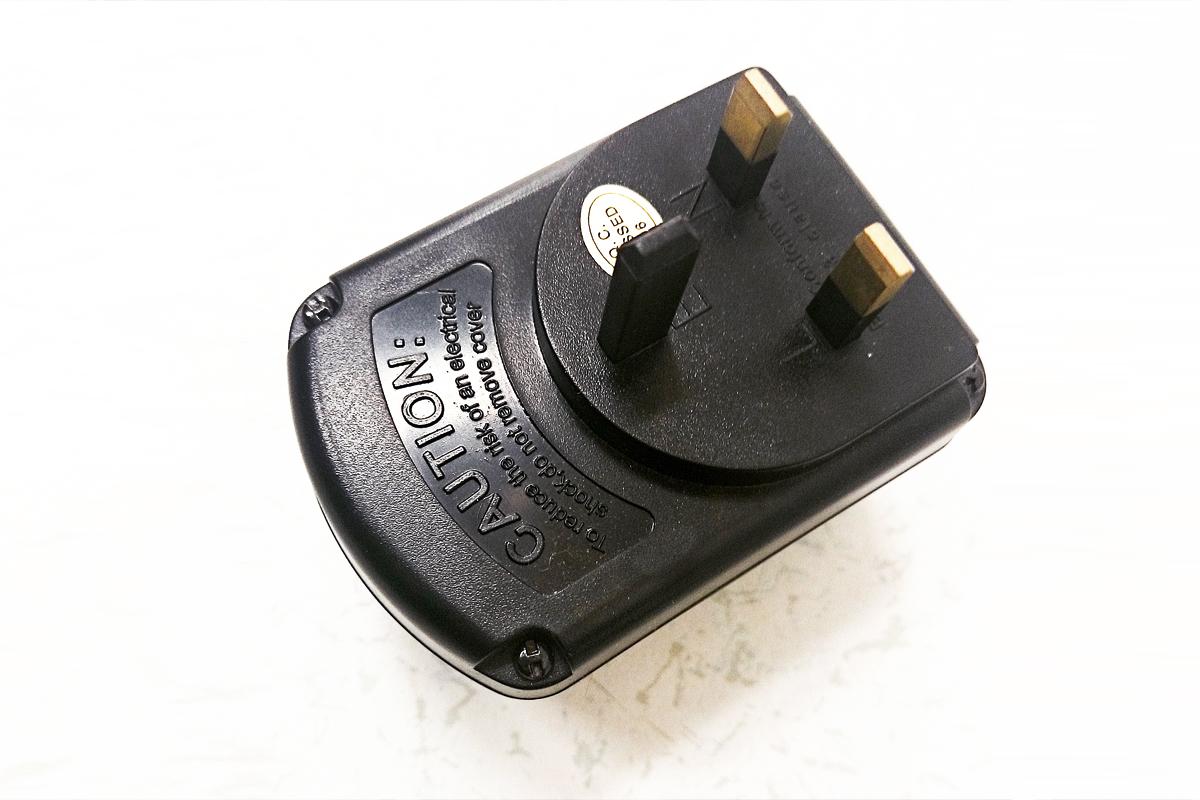 電圧変換マン